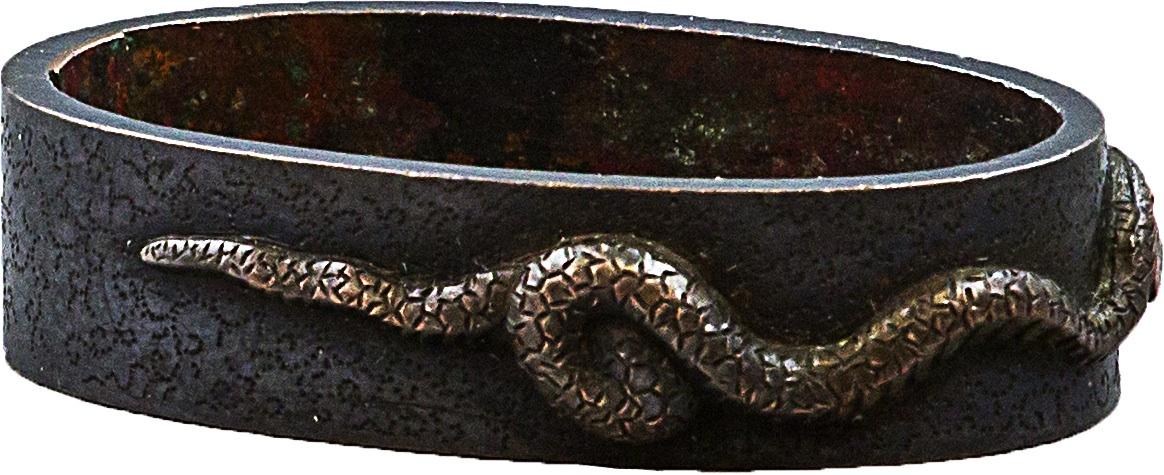 Fuchi z przedstawieniem węża i ślimaka