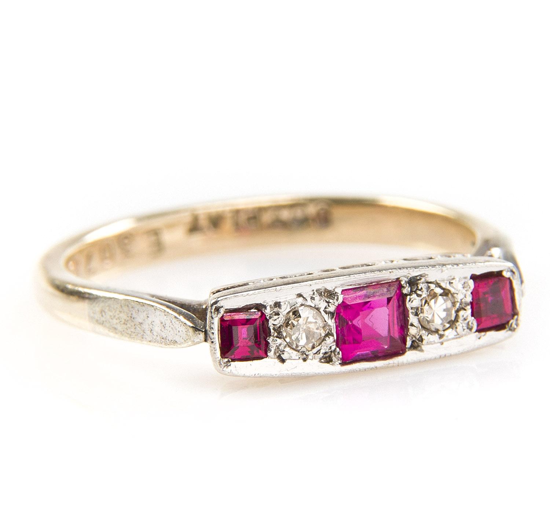 Pierścionek z diamentami i rubinami, okres międzywojenny