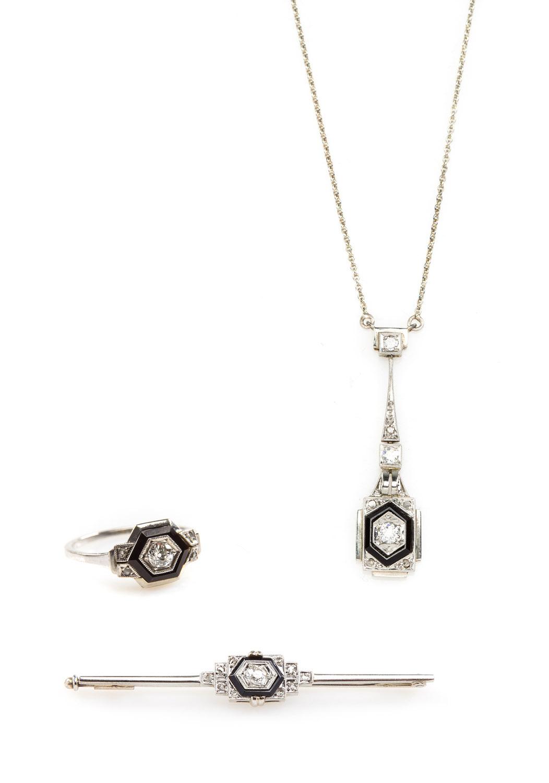 Komplet biżuterii: naszyjnik, pierścionek, brosza, l. 20.-30. XX w., art déco