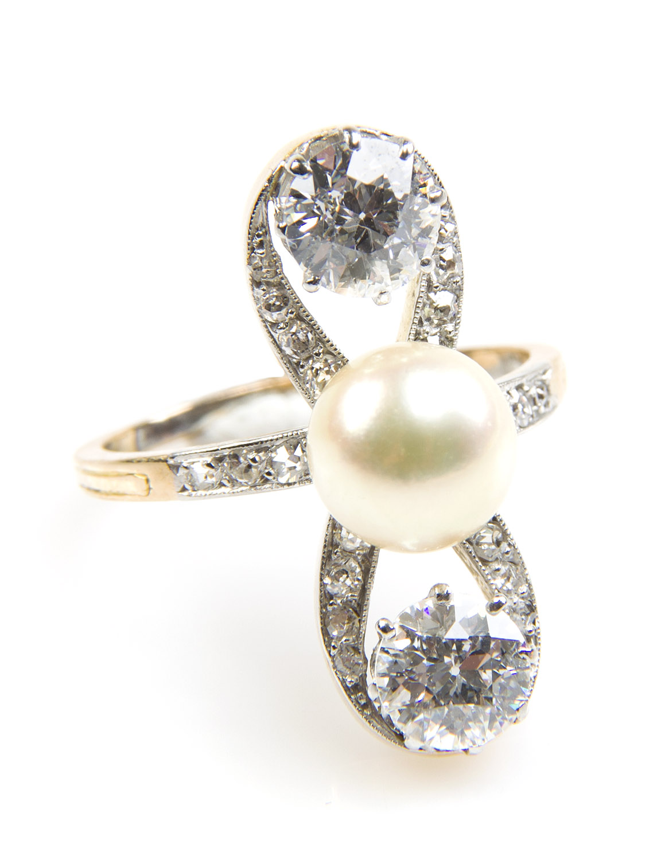 Pierścionek z perłą i diamentami, Francja, k. XIX w.