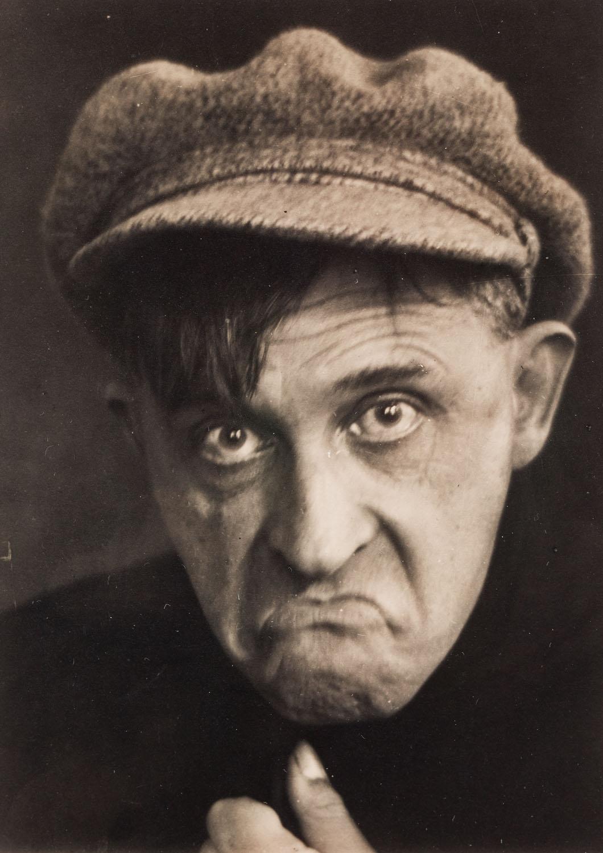 """Stanisław Ignacy Witkiewicz, z cyklu: """"Miny"""", fot. Józef Głogowski, około1931"""