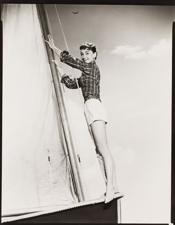 "Audrey Hepburn na planie filmu ""Sabrina"", reż. Billy Willder, 1954"