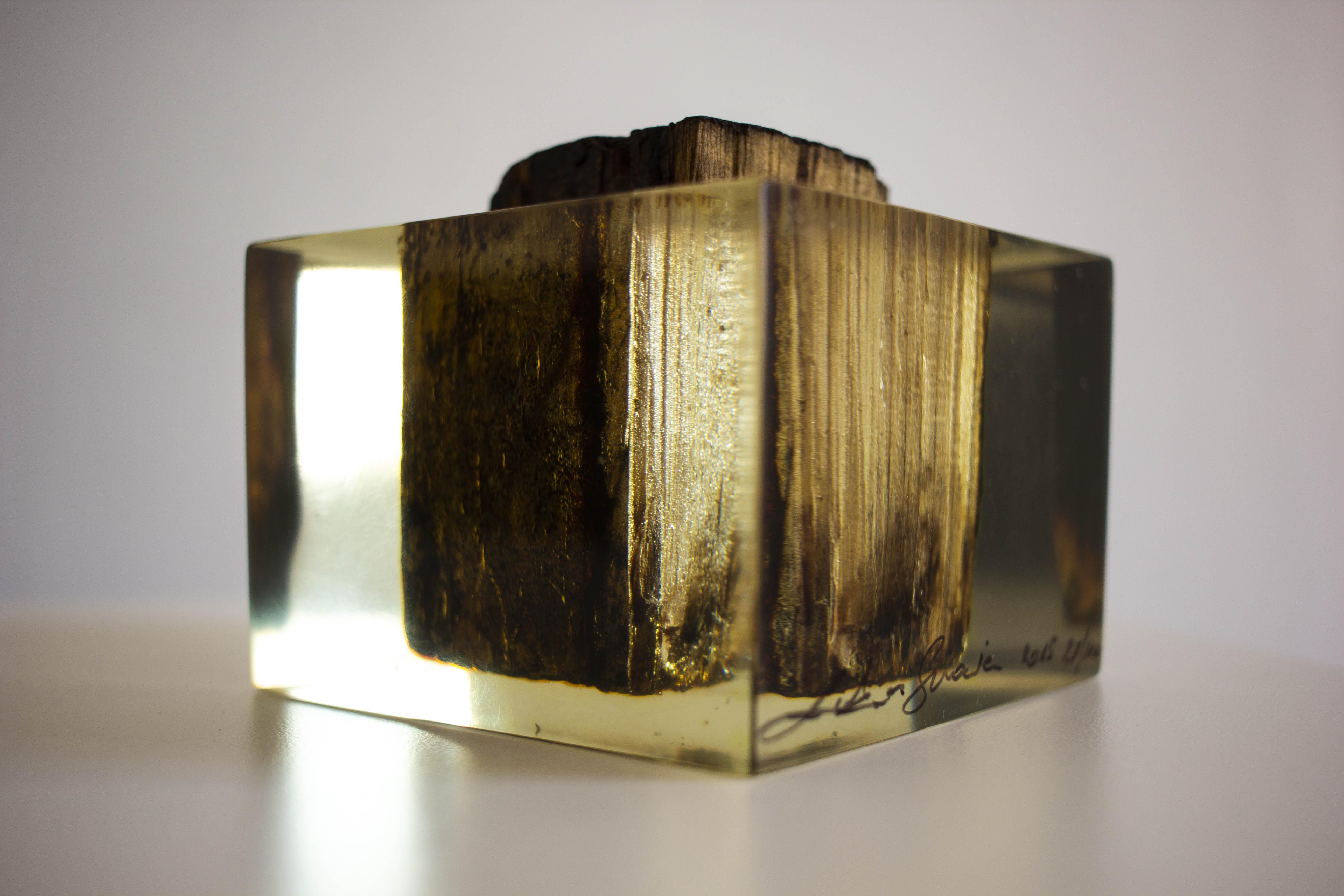 Przedwojenna, drewniana kostka podłogowa z pomieszczeń dawnej Fabryki Schindlera, 2015, ed. 27/100