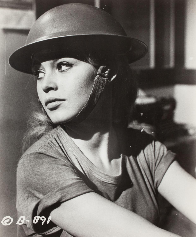 """Brigitte Bardot w filmie """"Babette idzie na wojnę"""""""
