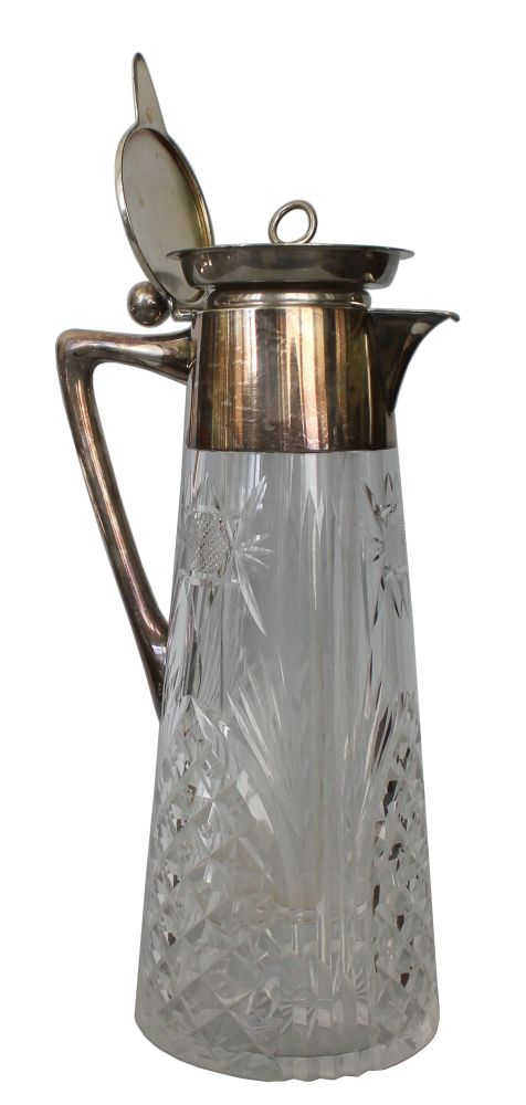 Dzbanek kryształowy ze srebrną pokrywą i wkładem do lodu (Niemcy, Schwäbisch Gmünd, I poł. XX w.)