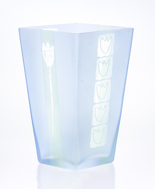 """proj. dekoracji Edyta BARAŃSKA-SASAK (Autorski bank projektów """"Wzornik""""), forma: Huta Szkła Deco-Glass"""