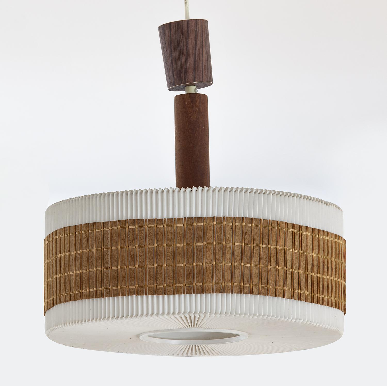 Lampa wisząca z kryzowanym kloszem