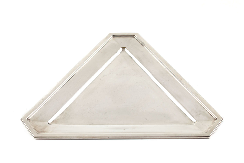 Tacka trójkątna, 1 poł. XX w.
