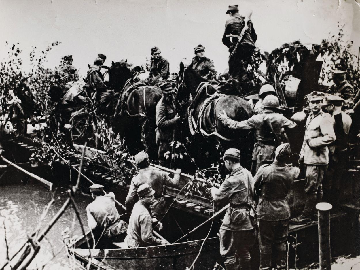 PRZEPRAWA NA PRZYCZÓŁEK WARECKO-MAGNUSZEWSKI, sierpień 1944