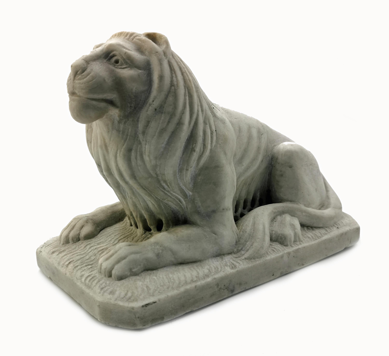 Lew - rzeźba gabinetowa