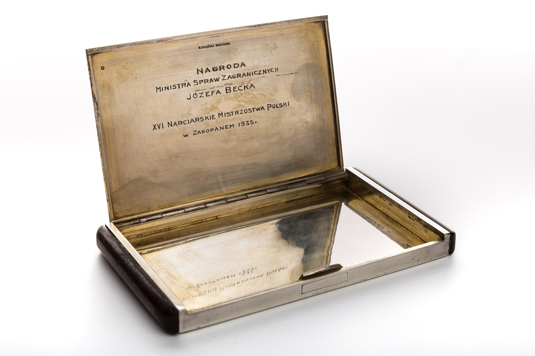Papierośnica srebrna, 1935