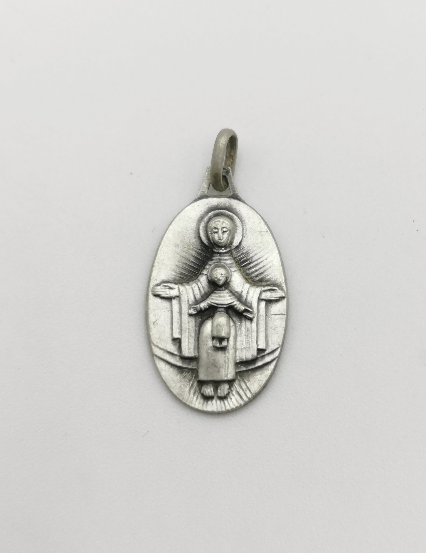 Medalik: Madonna z Dzieciątkiem