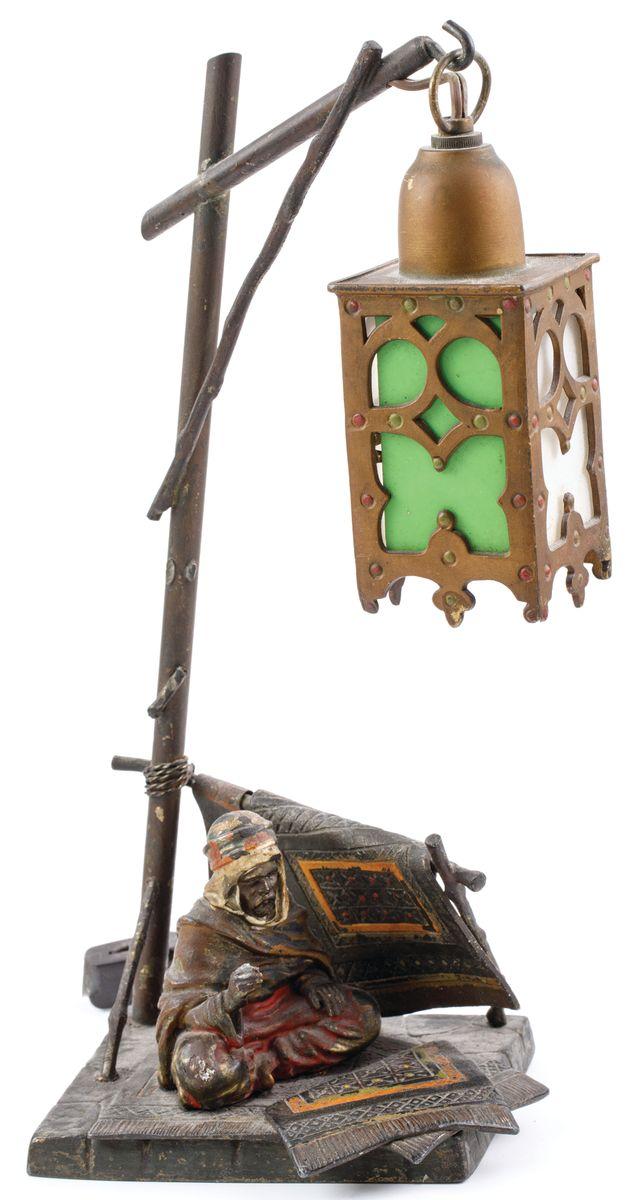 ELEKTRYCZNA LAMPKA Z BEDUINEM w typie Bergmanna