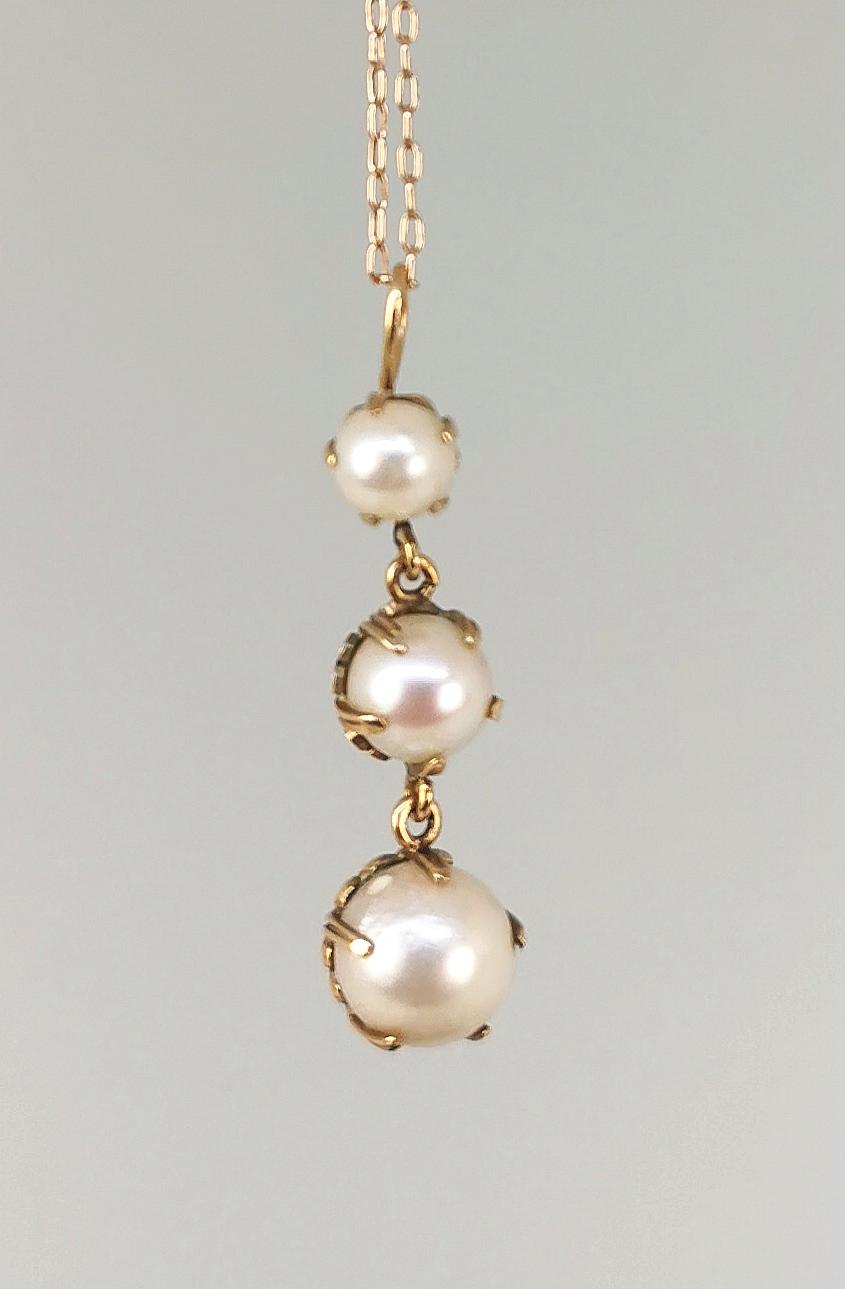 Wisior z perłami