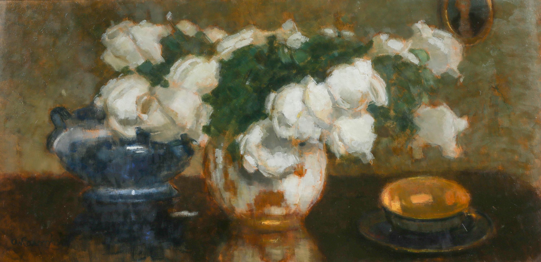 Białe róże z filiżanką