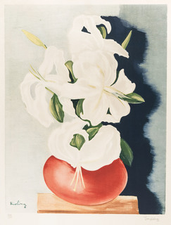 Białe lilie w wazonie