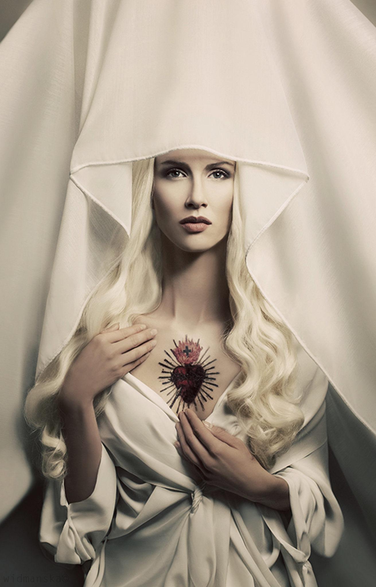 Biała Madonna, 2013