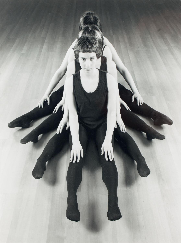 """""""Ćma"""" z cyklu """"Studia gimnastyczne"""", 2006"""