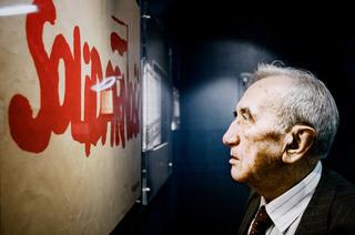 """Tadeusz Mazowiecki z cyklu """"Bohaterowie Solidarności"""", 2005"""