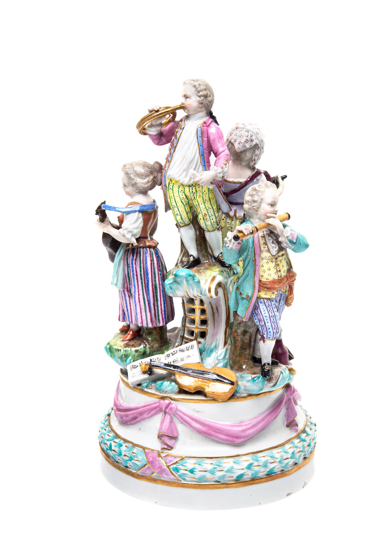 Figura - Czwórka muzykujących dzieci, 1 poł. XX w., Królewska Manufaktura Porcelany w Miśni