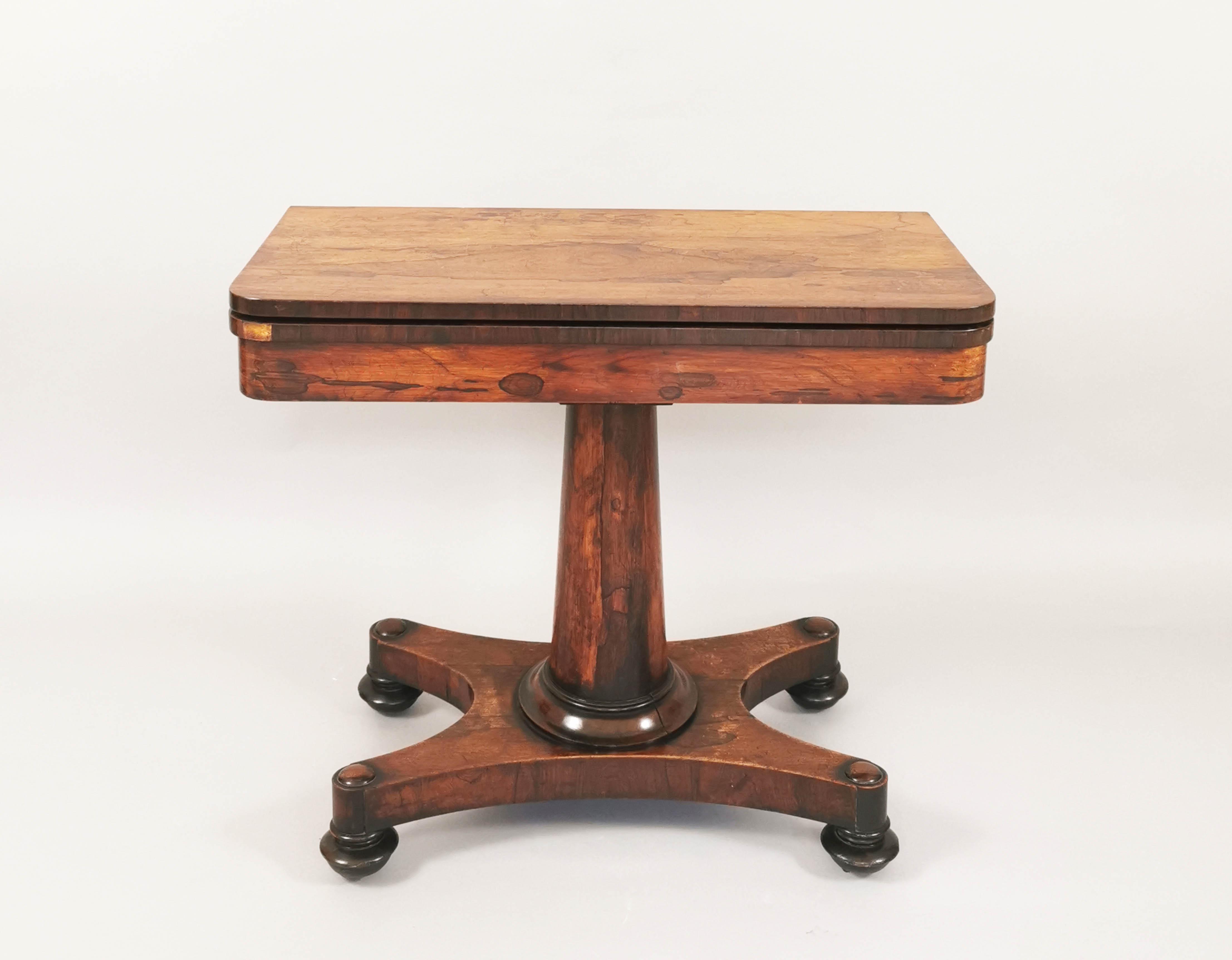 Stół do gry w stylu Ludwika Filipa