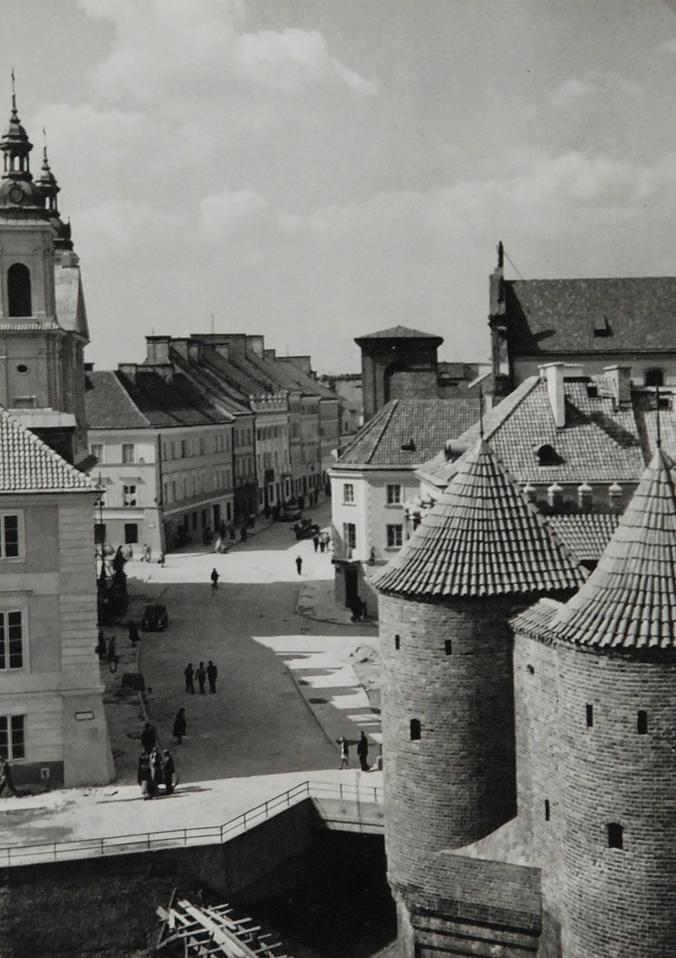 Warszawa - widok z Barbakanu w stronę Nowego Miasta