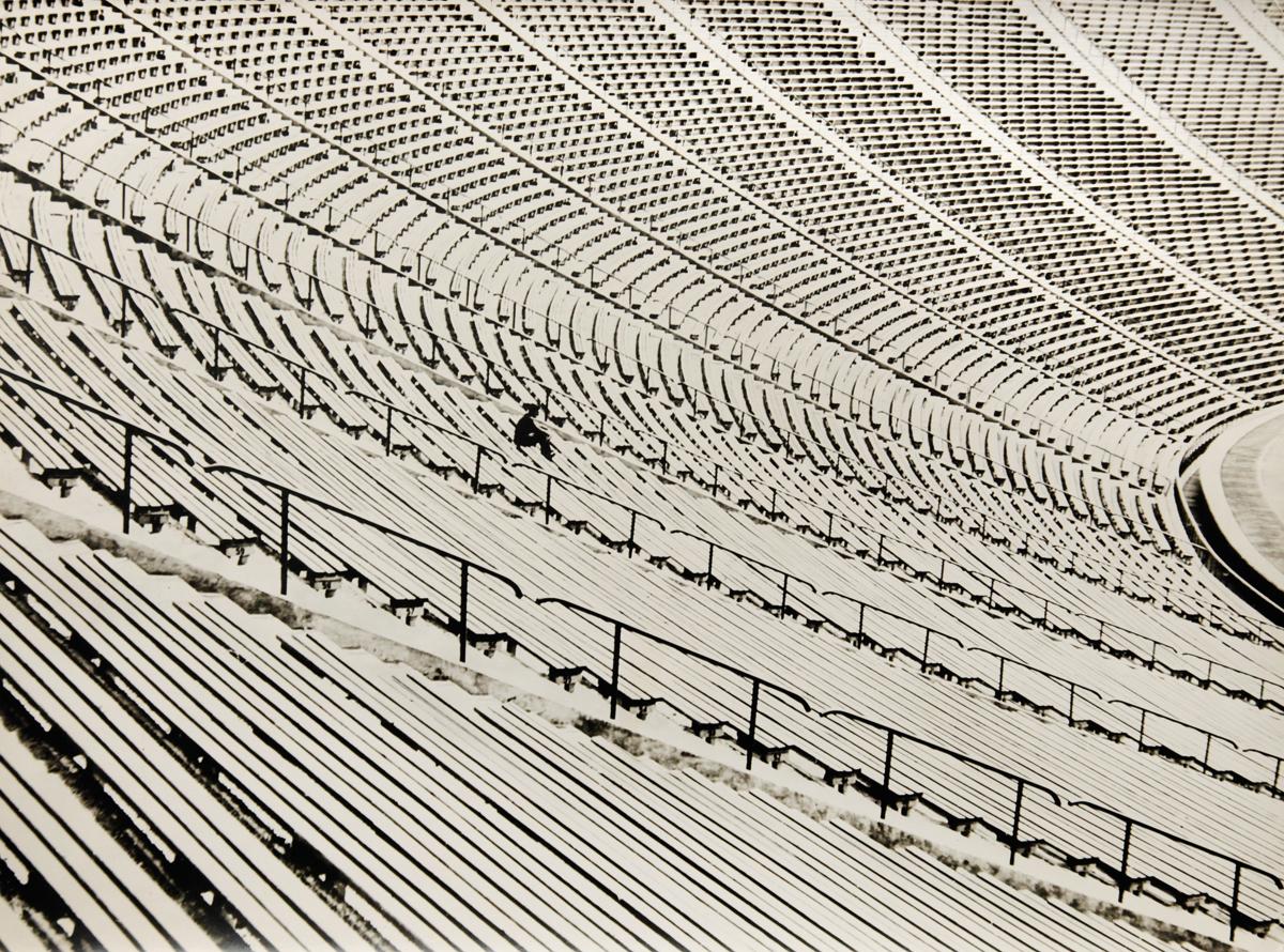 Rozmyślania na Stadionie / Man Before His Work