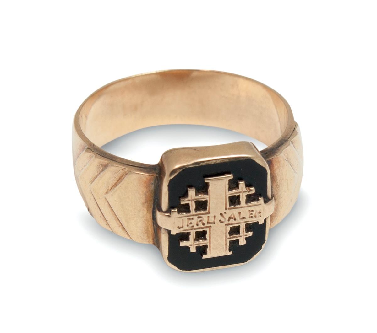 Sygnet z krzyżem jerozolimskim
