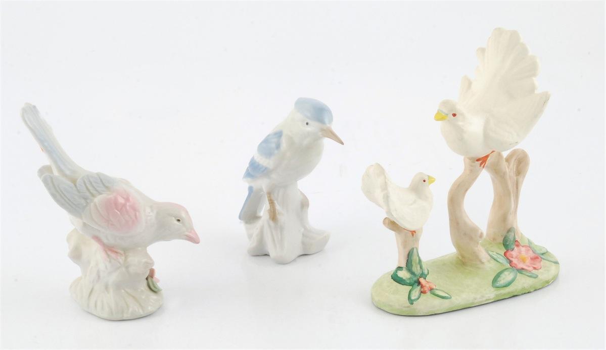 Zestaw figurek ptaków