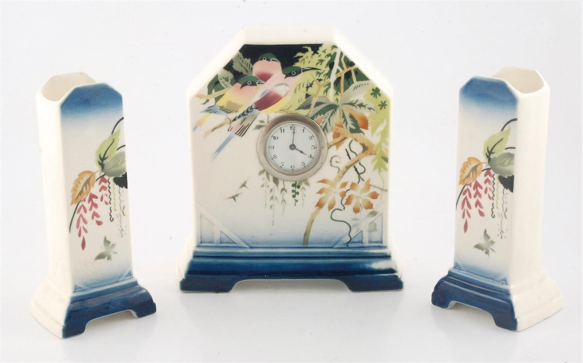Zegar i para wazonów