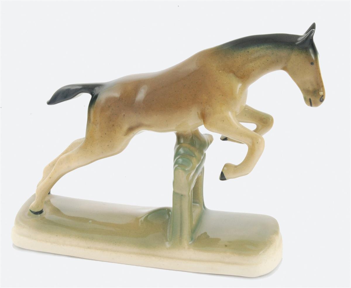 Koń w skoku
