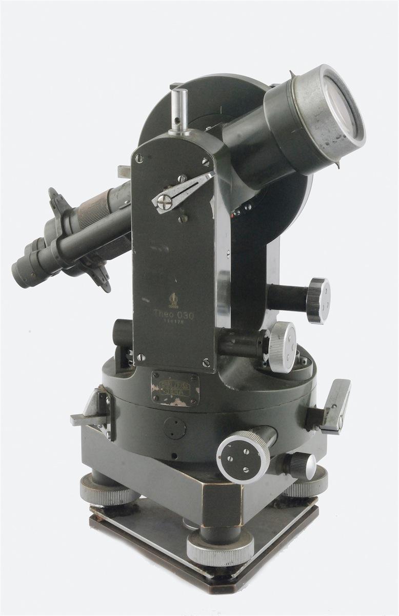 Niwelatoer optyczny -Teodolit THEO 030