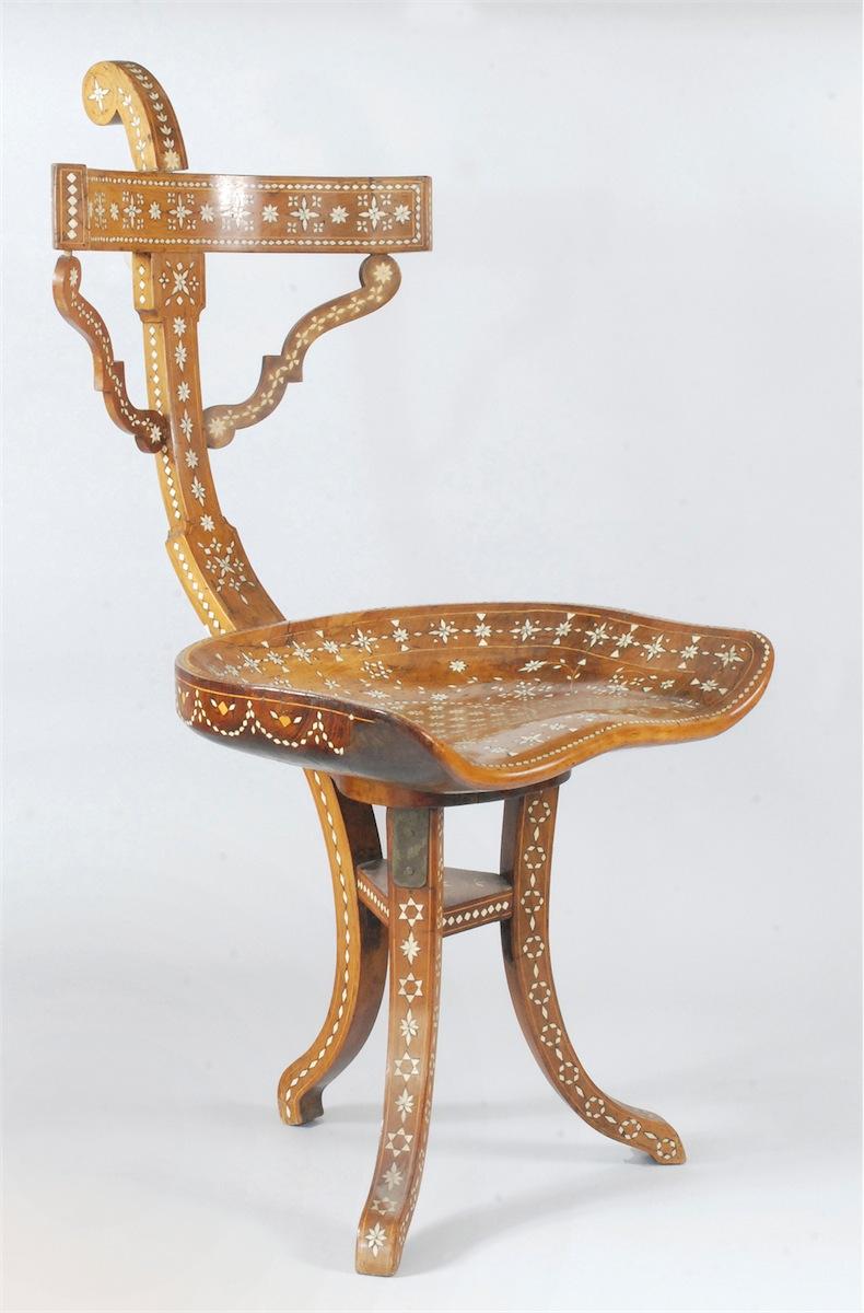 Krzesło w typie orientalnym