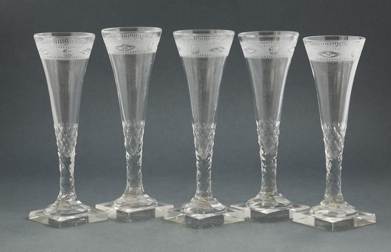 Pięć kieliszków do szampana (Five crystal champagne Glasses),