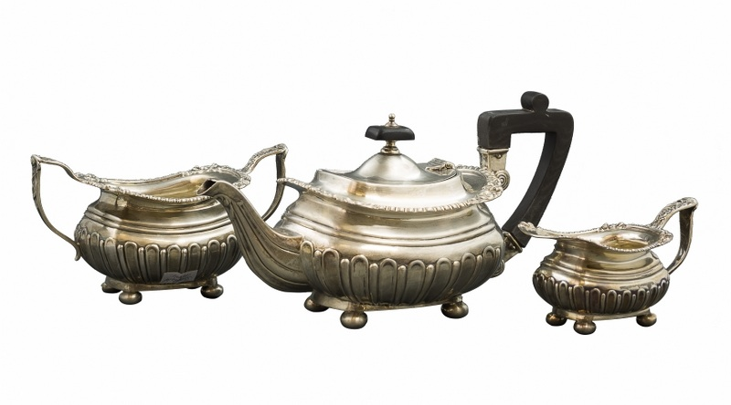 Zestaw do herbaty (A Silver Tea Set)
