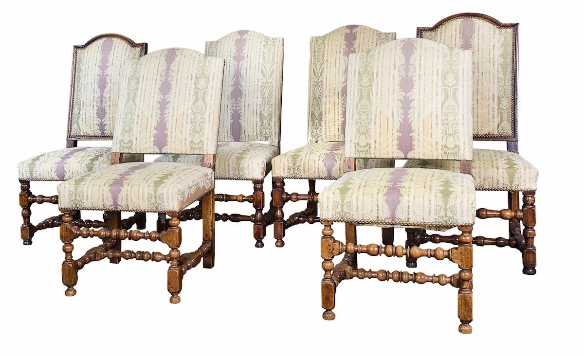 Zestaw 6 krzeseł (A mixed set of six Italian walnut side chairs)