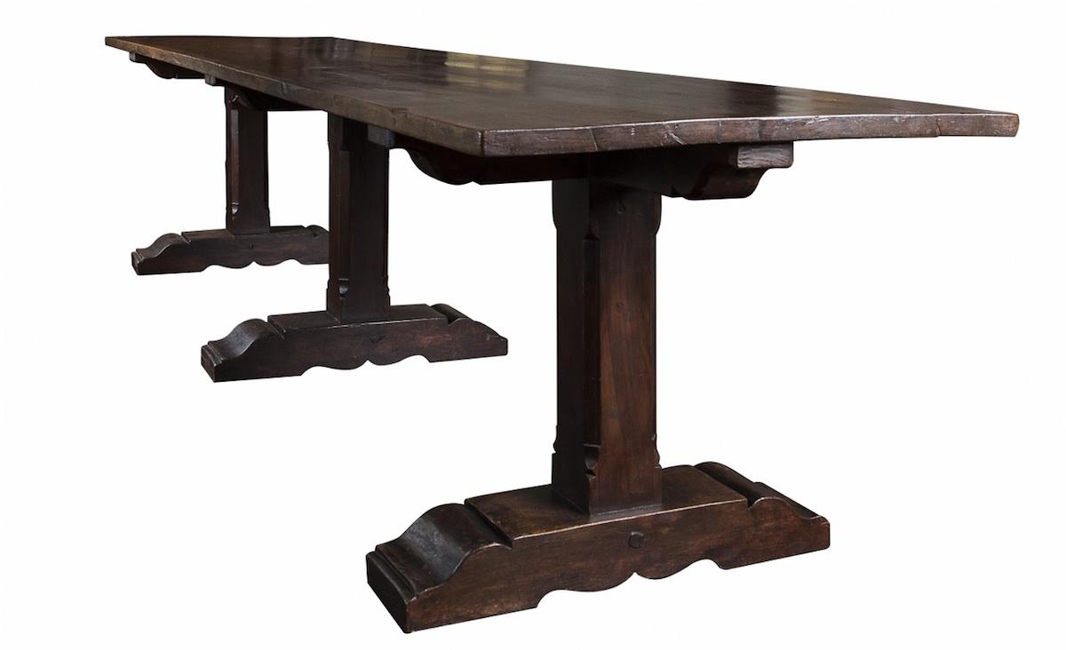 Włoski stół refektarzowy (An Italian walnut refectory table)
