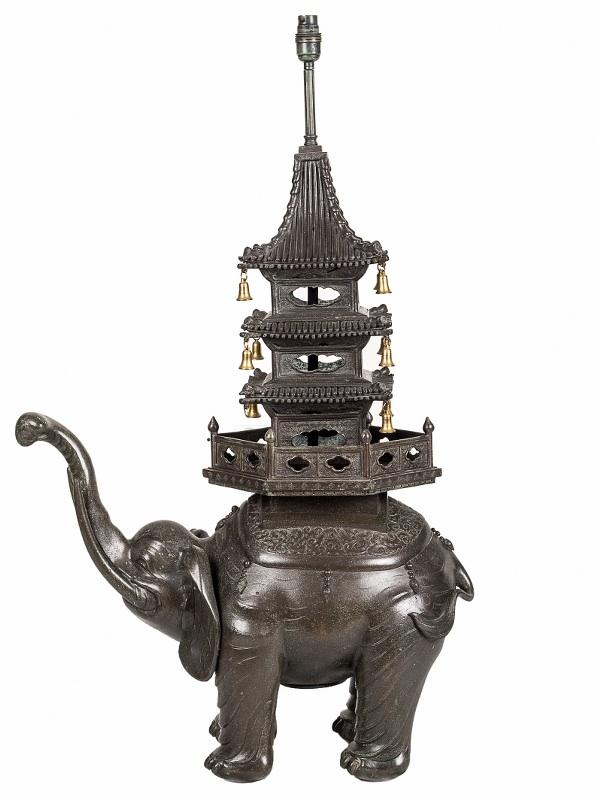 Potpourri - rzeźba słonia/lampa (A Chinese bronze model of elephant)