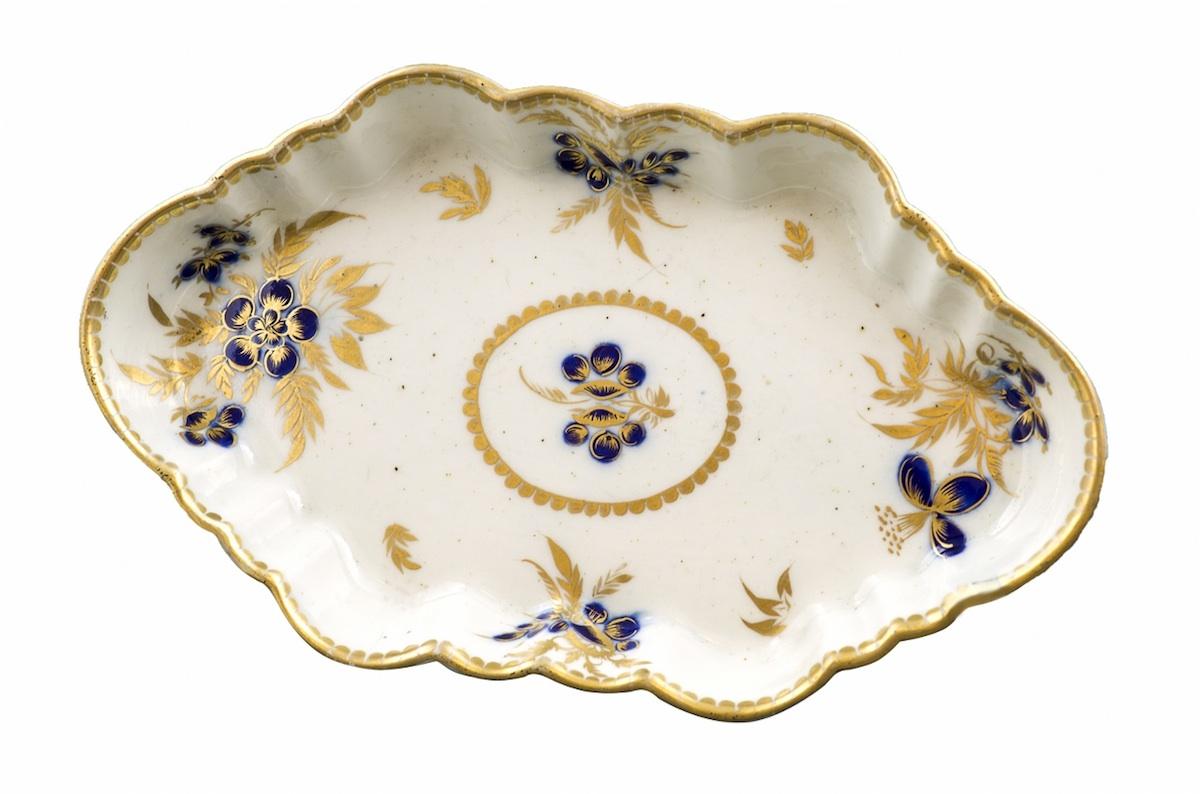 Paterka porcelanowa (An English porcelain dish)