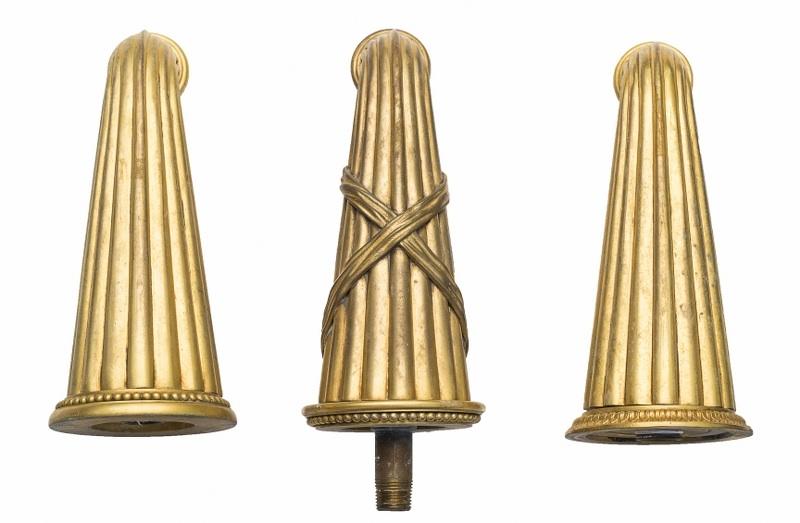 Trzy krany ogrodowe (A set of three gilt-bronze garden water faucets)