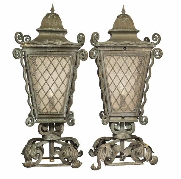 Para lamp ogrodowych (A pair of garden brass lamps)