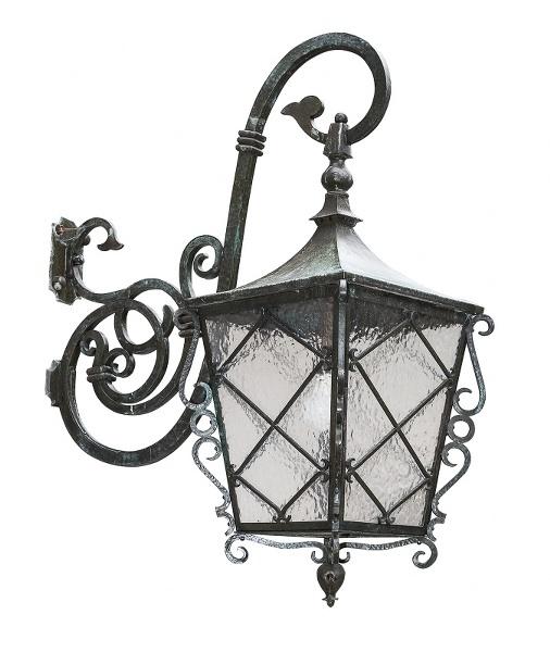 Osiem latarń elewacyjnych (A set of eight wall brass lanterns)